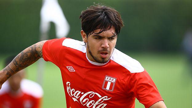 Juan Vargas quiere dejar atrás los problemas y ganarse un puesto en la Fiorentina.  (Leo Fernández/ Panamericana TV)