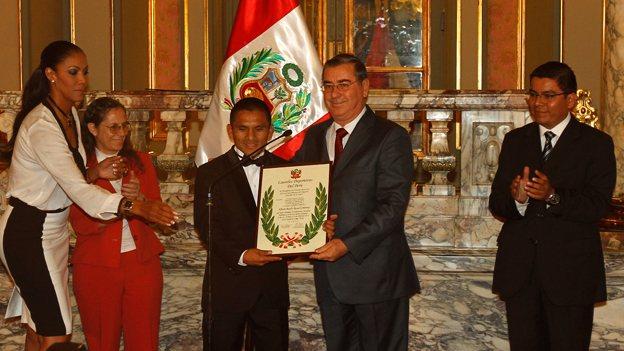Rossel le arrebató el título al mexicano Rodríguez el pasado sábado. (Erick Nazario / Depor)
