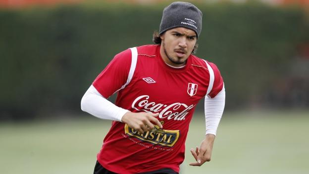Vargas cometió un error en el momento menos indicado. (Reuters)