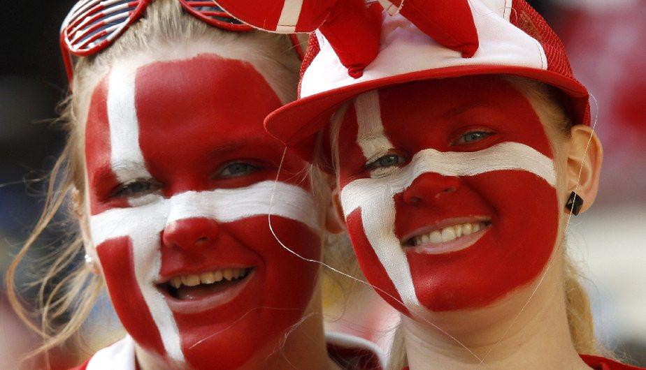 Dinamarca es la sorpresa de esta Euro, pero sus hinchas se llevan la corona. (Reuters)