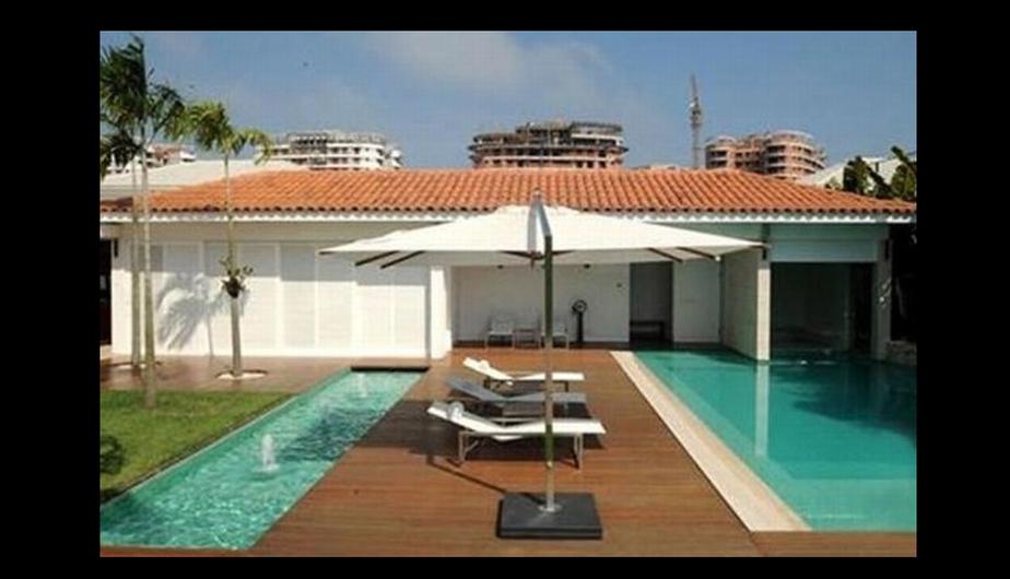 Esta mansión es muy lujosa y es allí donde Ronaldinho suele hacer sus fiestas hasta las últimas consecuencias. (Internet)