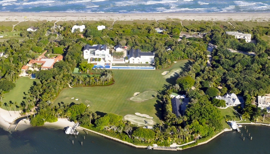 La mansión de Tiger Woods cuenta con piscina, canchas de golf y atletismo, casa de huéspedes, botes y un cine. (Fotos: Internet)