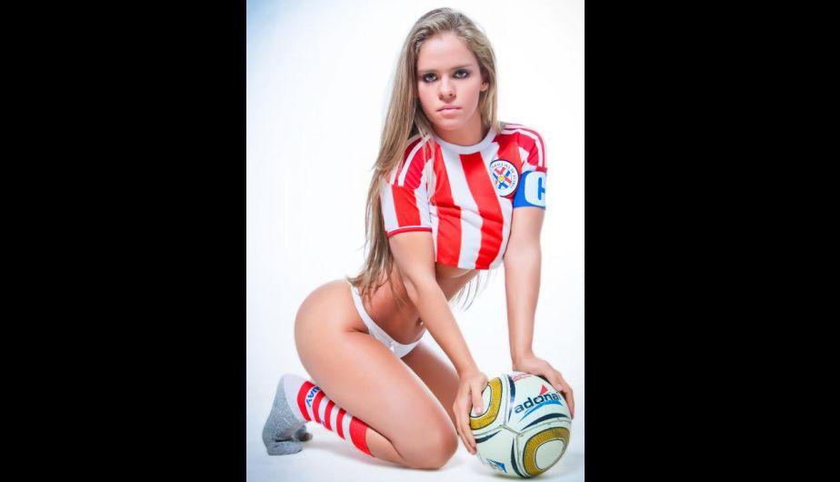 Te presentamos a Gaby Wolscham, una paraguaya con todas las 'armas' para representar a la 'pelotita' sudamericana.