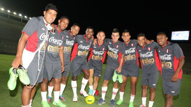 Perú deberá por lo menos ganar 2 partidos para pasar de ronda. (Leonardo Fernández)