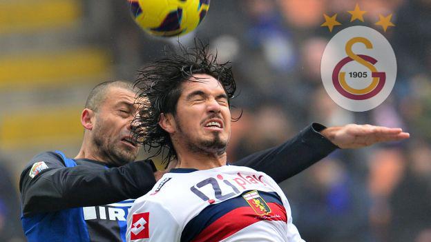 El 'Gala' sería el cuarto equipo de Vargas en Europa. (AFP)