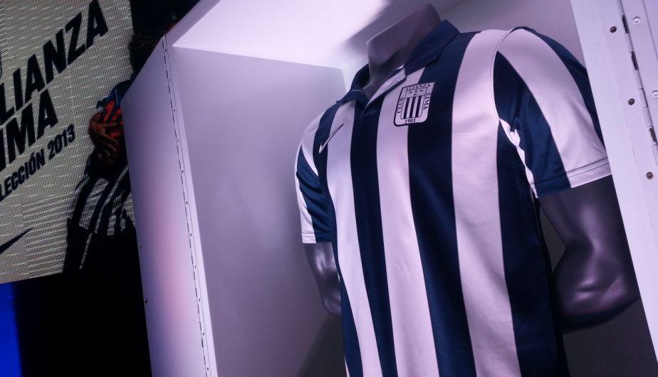 Los jugadores de Alianza Lima se pusieron la nueva piel blanquiazul. (Ernesto Lastra)