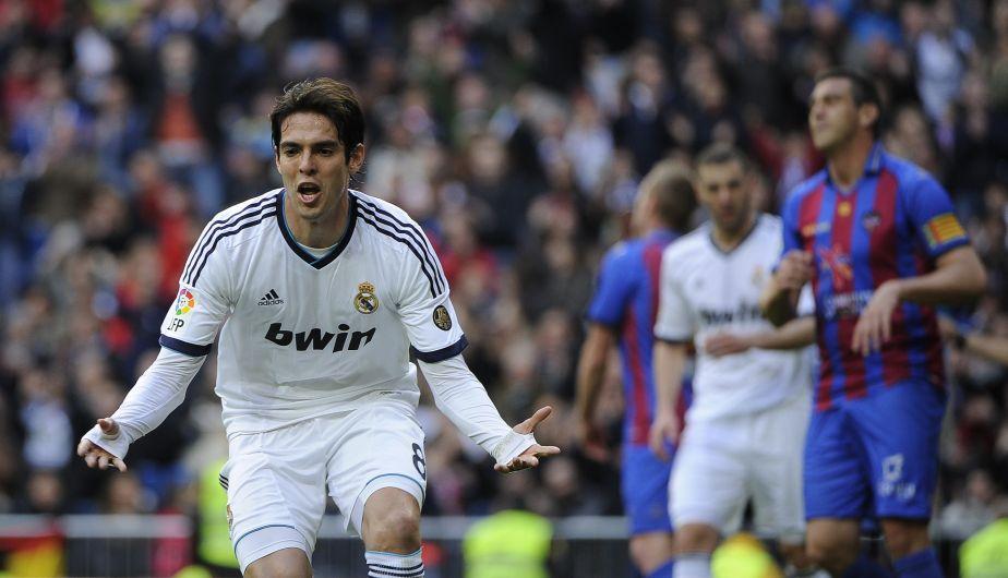 Kaká anotó el segundo tanto para el Madrid. Lo hizo de penal. (Fotos: Agencias)