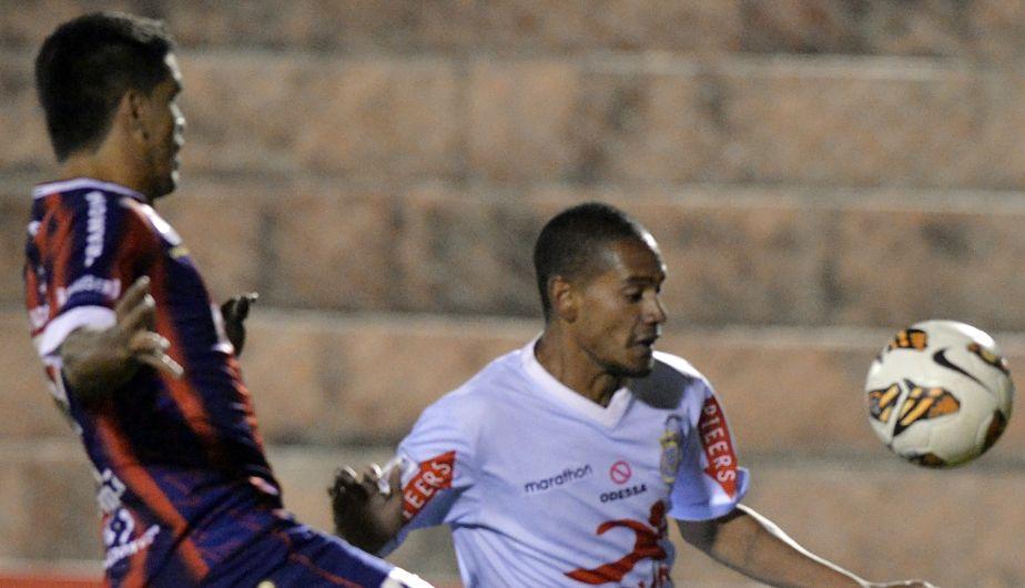 Los goles de encuentro fueron anotados por Oscar Gamarra a los 8 y 89 minutos, Mauricio Montes (36), Víctor Ferreira (73) y Fabio Ramos (76). El descuento paraguayo lo convirtió Roberto Nanni (12). (AFP)