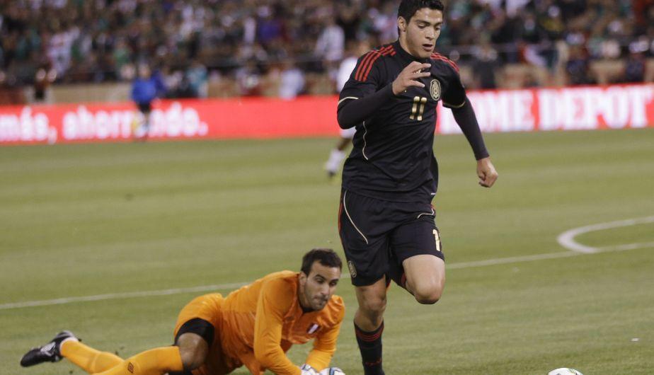 José Carvallo tuvo un buen partido. En el segundo tiempo le atajó un penal a Reina. (AP)