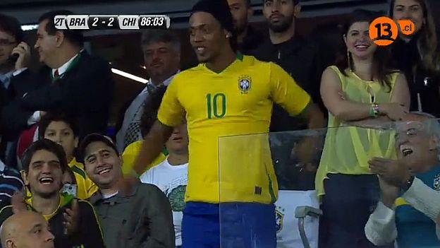 Ronaldinho espera este año ganar la Copa Libertadores y Confederaciones. (YouTube)