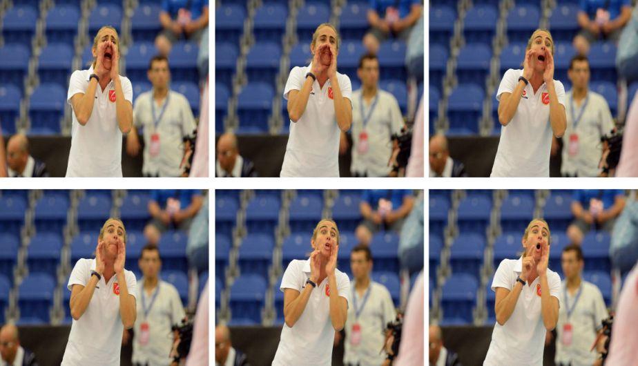 Natalia Málaga dijo de todo durante el partido. Al final sus jugadores se dejaron voltear el partido. (Fotos: FIVB.org)