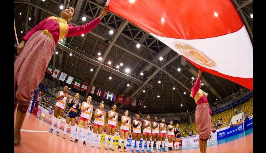 El Himno Nacional del Perú. (Fotos: FIVB)