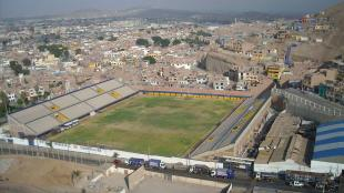 Estadio municipal de Chorrillos. Local: Deportivo Municipal. (FOTOS: INTERNET)
