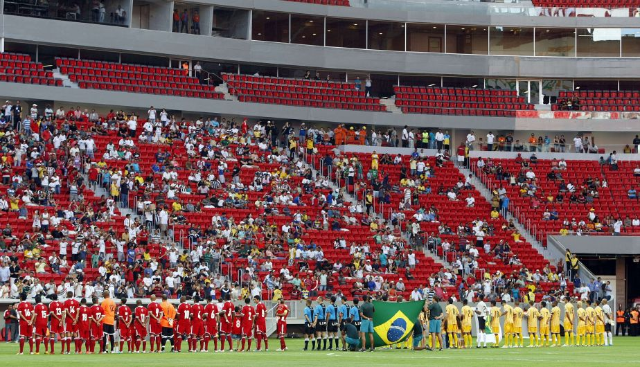 El estadio Man&eacute; Garrincha de Brasilia fue inaugurado oficialmente este s&aacute;bado por la presidenta brasile&ntilde;a Dilma Rousseff. (AFP)