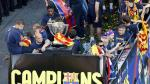 Los jugadores de Barcelona celebraron con todos los hinchas el ttulo nmero 22 en la Liga BBVA.