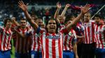 El Atl&eacute;tico de Madrid ha logrado su d&eacute;cimo t&iacute;tulo de la Copa del Rey tras derrotar hoy al Real Madrid en el estadio Santiago Bernab&eacute;u por 2-1. (AFP)