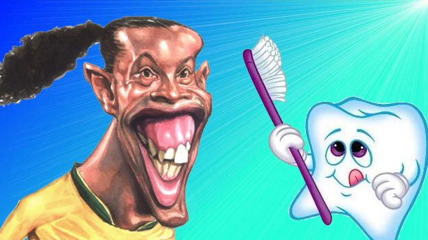 Ronaldinho fue operado de los dientes